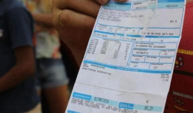 Saiba como pagar com descontos a conta de água, IPVA e ITCD atrasados