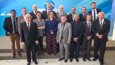 Roberto Rocha e prefeitos comemoram as novas regras da CFEM