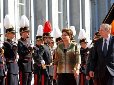 Dilma afasta hipótese de medidas mais  duras para combater impactos da crise