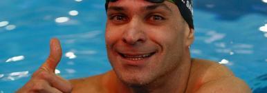 Nadador brasileiro bate recorde mundial nos 50 metros borboleta
