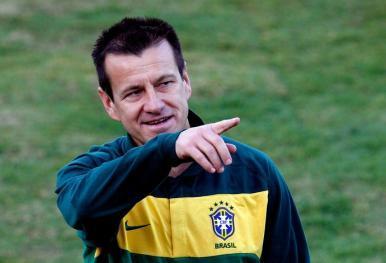 CBF anuncia oficialmente Dunga como novo técnico da Seleção Brasileira