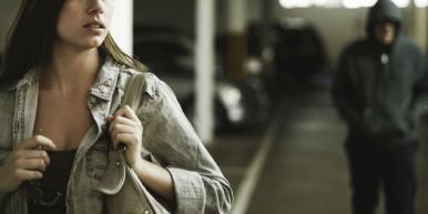 CCJ agrava pena para casos de 'stalking' ou perseguição obsessiva