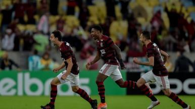 Flamengo vence o Corinthians e avança na Copa do Brasil