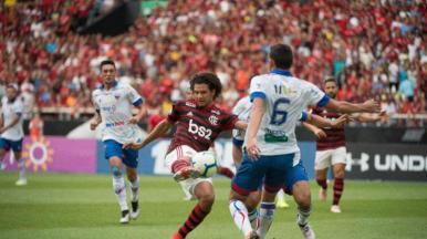 Flamengo vence o Fortaleza e sobe para a vice-liderança do Brasileirão