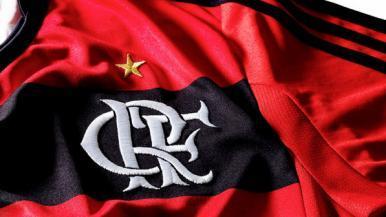 Flamengo goleia o Paraná e dorme na vice-liderança da Série A