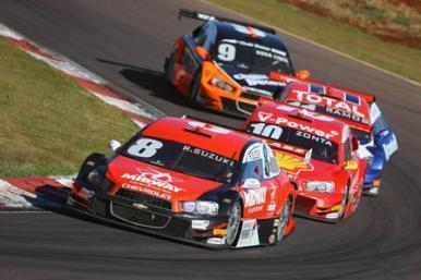 Stock Car: quebra do carro tira chances de bom resultado para Rafael Suzuki