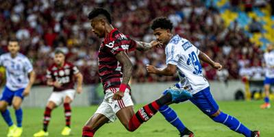 Flamengo vence o CSA-AL e mantém folga na liderança do Brasileirão